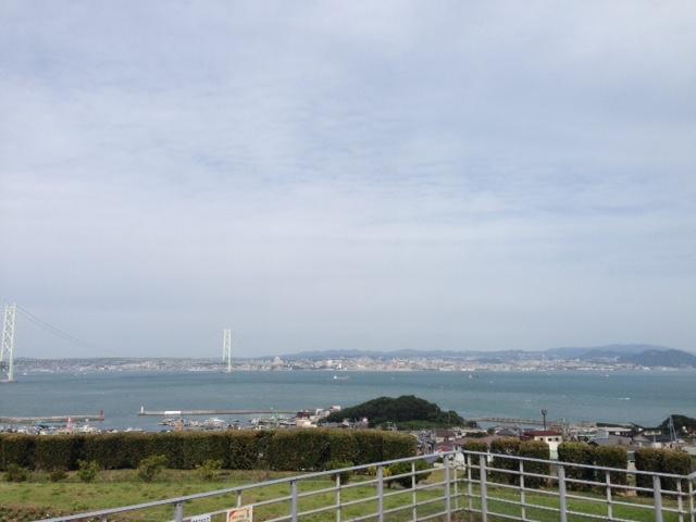 淡路島から神戸を見る