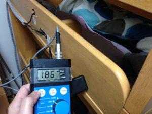 電磁波環境測定 子供用ベッドの測定