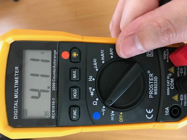 身体電圧計