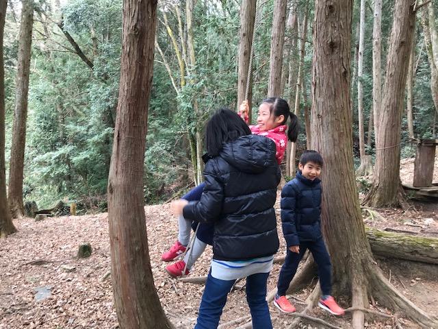 近くの森でターザンごっこ 20190330